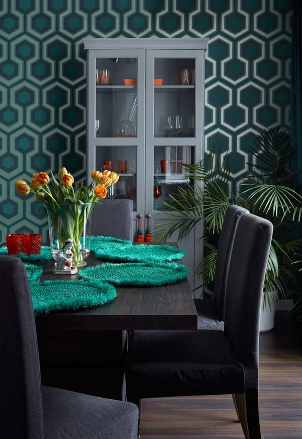 2-traditional-style-colorful-open-concept-living-room-design-emerald-blue-purple-ochre-color-Cole-and-Son-wallpaper-IKEA-cupboard-dining-chairs
