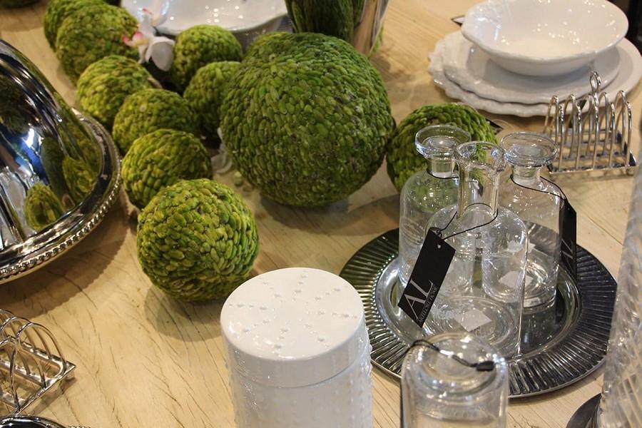 21-Artelore-Home-green-balls-silver-tableware-home-decor-interior-accessories-at-Maison-&-Objet-2017-exhibition-trade-fair