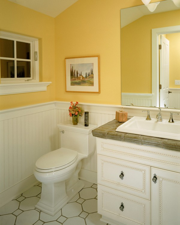 24-cheerful-white-and-pastel-yellow-bathroom-interior-design