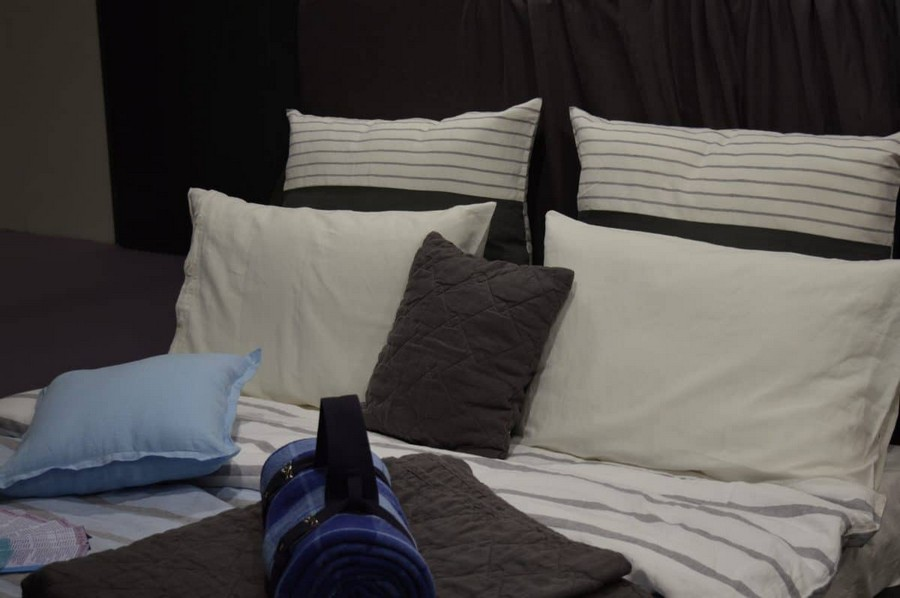 24-heimtextil-2017-home-textile-trade-fair-fabrics-display-planetary-explorations-space-theme-dark-blue-gray-colors-bed-linen