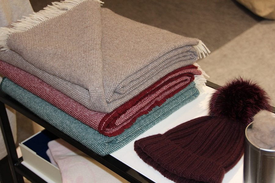3-Riviera-Cashmere-beige-blue-red-home-textile-at-Maison-&-Objet-2017-exhibition-trade-fair