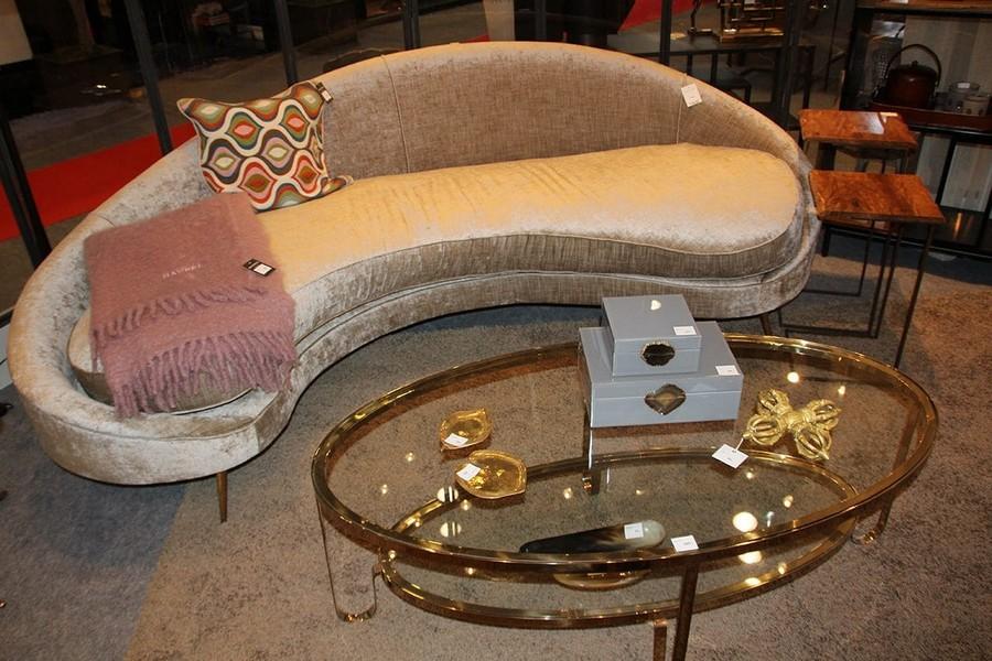 4-Hanbel-furniture-at-Maison-and-&-Objet-2017-Exhibition-trade-fair-Paris-dove-gray-velvet-upholstered-sofa-in-interior-design