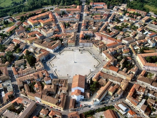 4-Palmanova-town-Italy-panorama-top-plan-view-hexagonal-central-square