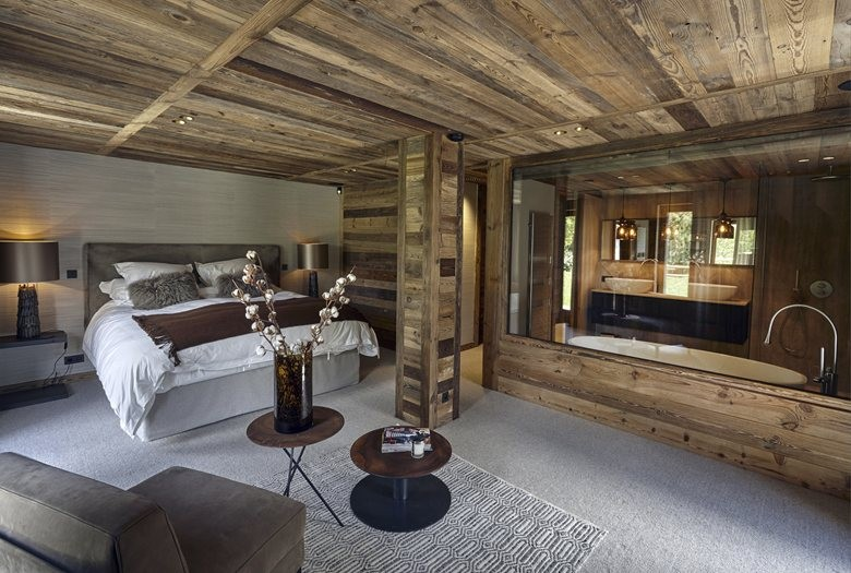 Refined chalet design in the french ski resort home for Ski designhotel
