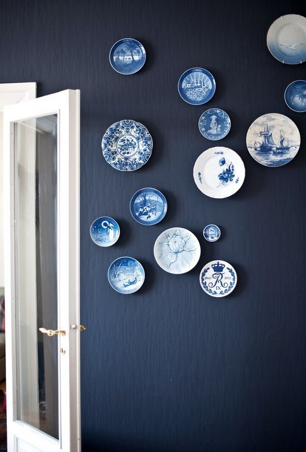 Captivating 4 White And Blue Decorative Plate Hanging On