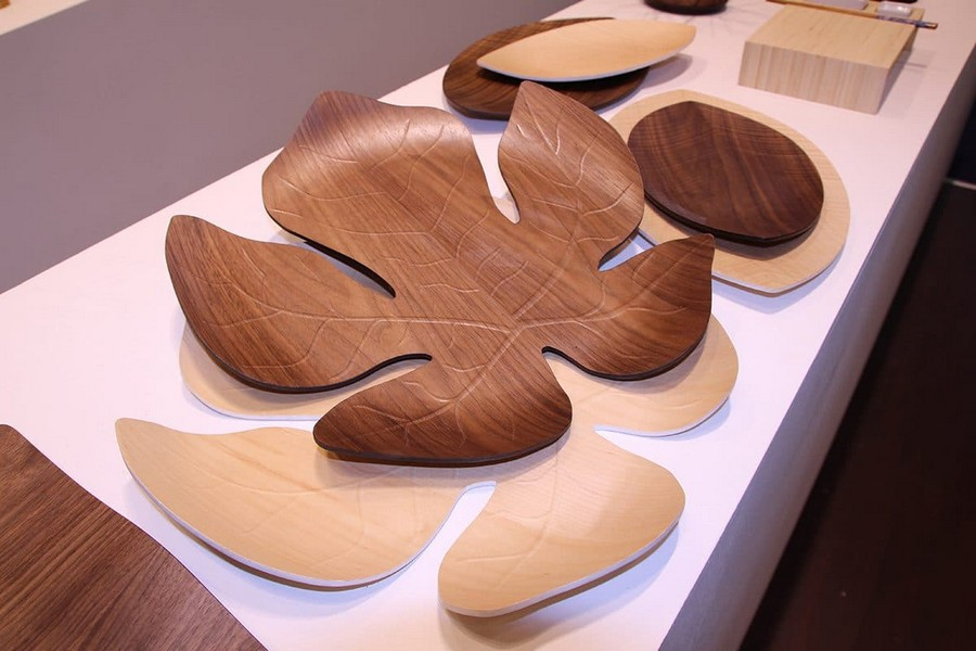 5-Legnoart-luxury-tableware-kitchen-table-settings-design-at-Maison-and-&-Objet-2017-Exhibition-trade-fair-Paris-leaf-shaped-wooden-coaster