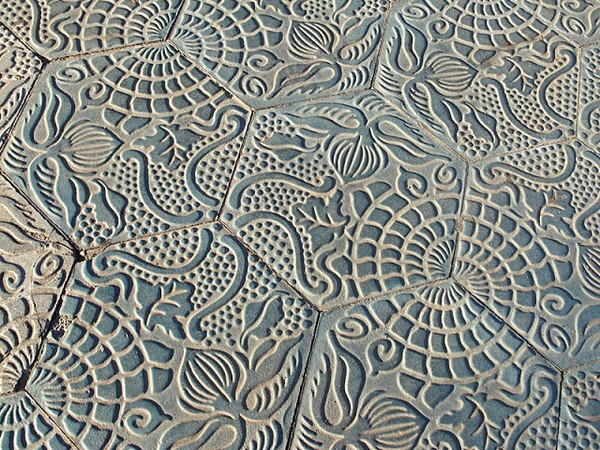 7-Antonio-Gaudi-Barcelona-pavement-hexagonal-tiles-marine-pattern