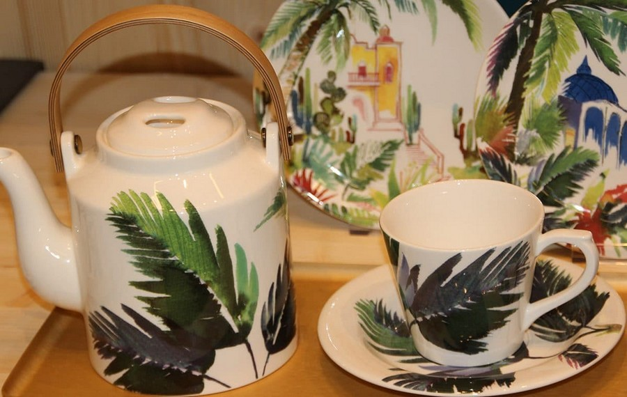 7-Gien-luxury-tableware-kitchen-table-settings-design-at-Maison-and-&-Objet-2017-Exhibition-trade-fair-Paris-greenery-floral-motives