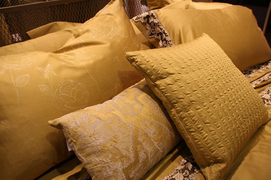 7-La-Perla-Home-by-Fazzini-golden-yellow-collection-home-textile-at-Maison-&-Objet-2017-exhibition-trade-fair