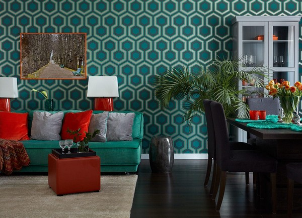 7-traditional-style-colorful-open-concept-living-room-design-emerald-blue-purple-ochre-color-Cole-and-Son-wallpaper-orange-coffee-table-MhLiving-IKEA-cupboard-dining-chairs