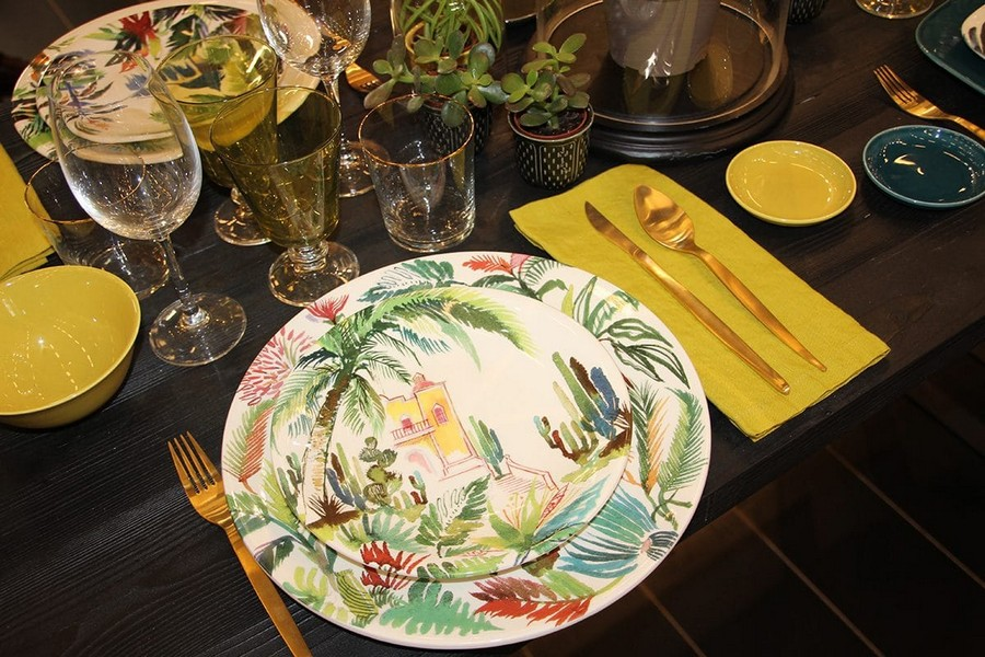 8-Gien-luxury-tableware-kitchen-table-settings-design-at-Maison-and-&-Objet-2017-Exhibition-trade-fair-Paris-greenery-floral-motives