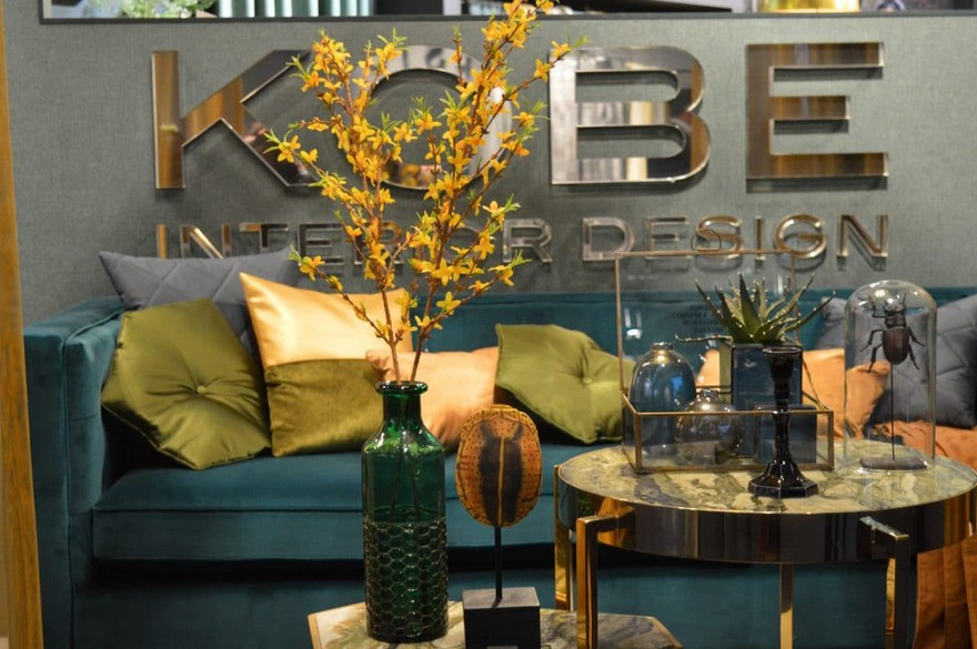 8-Kobe-Holland-Heimtextil-2017-home-textile-fabrics-trade-fair-warm-autumn-fall-natural-colors-emerald-blue-sofa