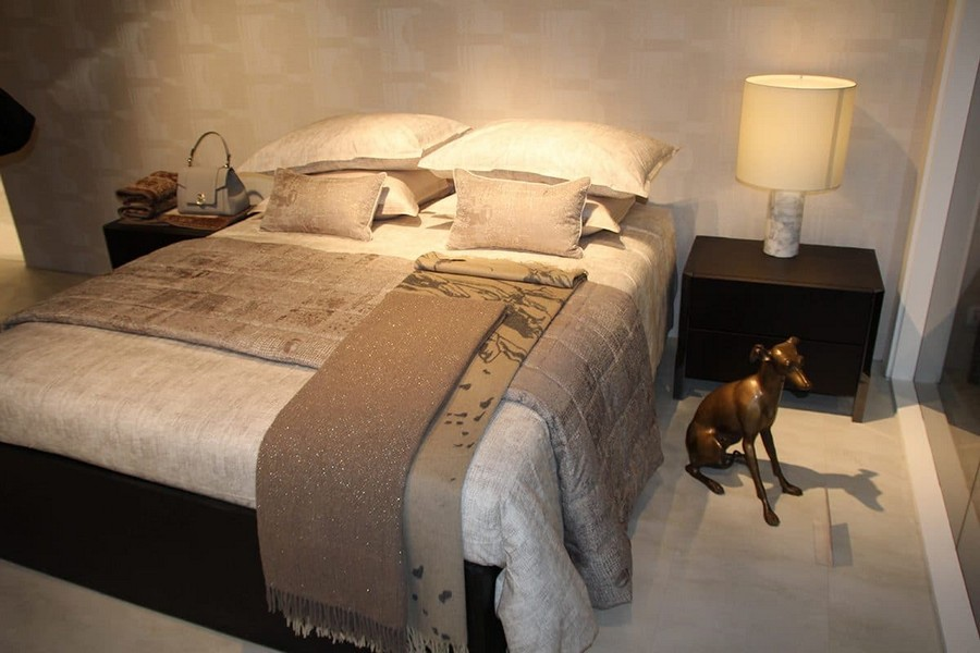 9-Trussardi-Home-Linen-and-Roberto Cavalli-home-textile-at-Maison-&-Objet-2017-exhibition-trade-fair-beige-bed-linen-set