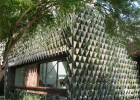 0-biomimicry-architecture-Brazil-Sao-Paolo-concept-store-Firma-Casa-vertical-garden-green-eco-building-mother-in-laws-tongue-succulents-plants