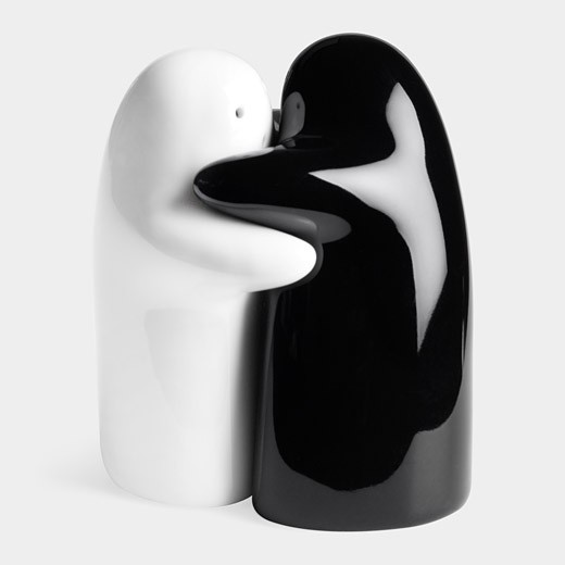 0-he-and-she-perfect-couple-man-and-woman-salt-and-pepper-shaker-set-design-hug-black-and-white-ceramic