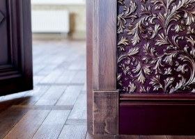 0-lincrusta-classical-style-wall-covering-in-interior-design-purple_cr