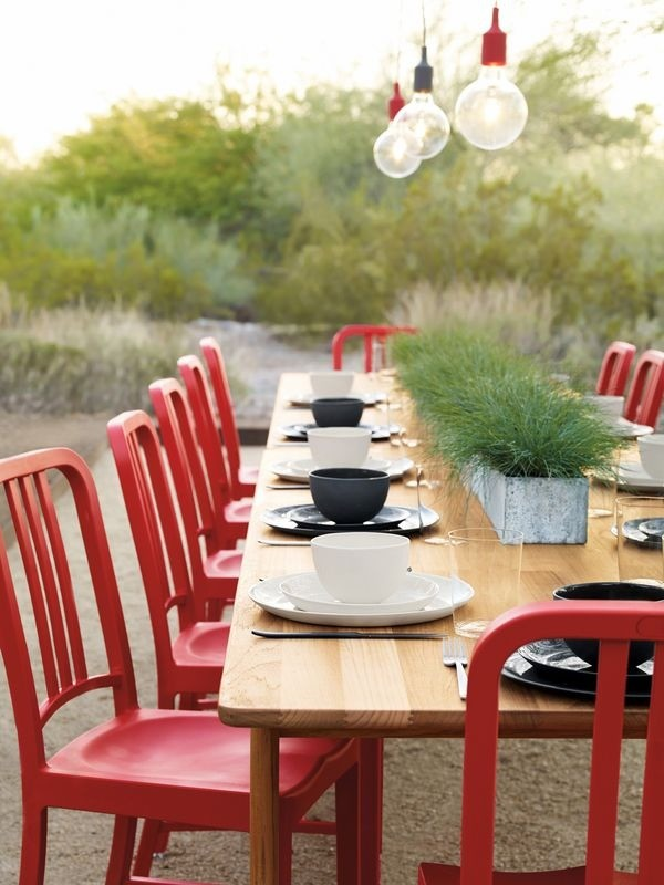 0 Red Dining Chairs Big Wooden Table In