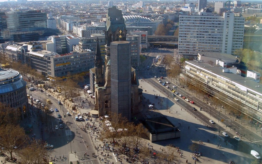 1-2-Berlin-interesting-buildings-sights-architecture-the-Kaiser-Wilhelm-Memorial-Church