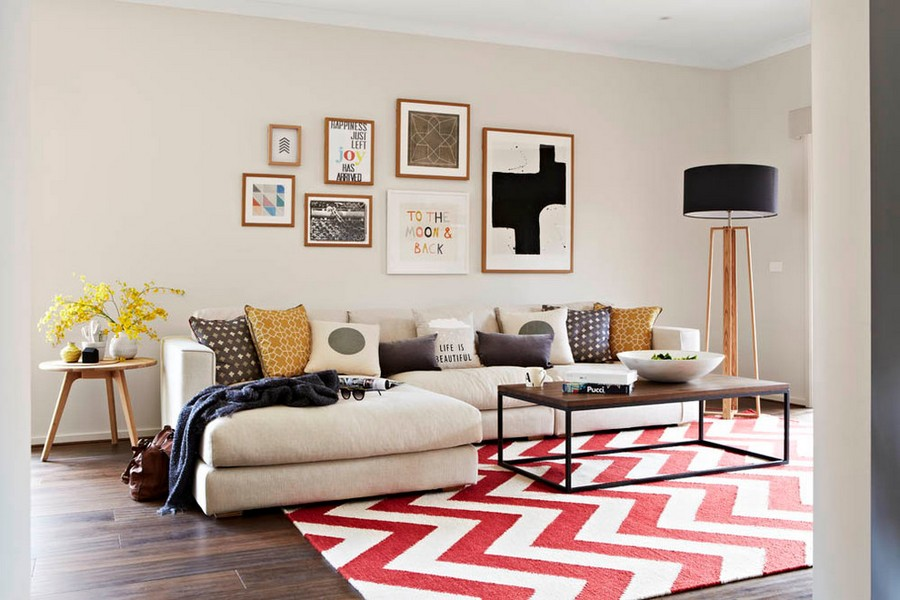 1-beige-living-room-interior-design-dark-brown-floor-red-and-white-carpet-with-geometrocal-herringbone-pattern-floor-lamp-corner-sofa