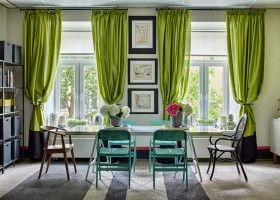 1-bright-cheerful-white-gray-and-green-office-interior-design-in-contemporary-style-big-desk-table-turquoise-chairs-curtains-two-windows-shelves-storage-boxes-samovar-flowers