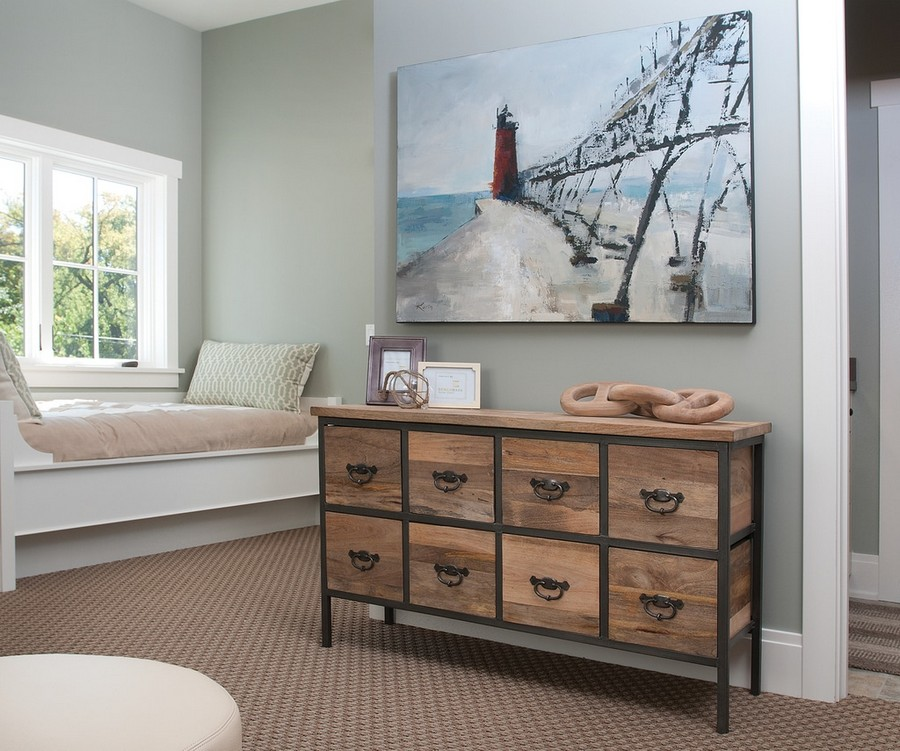 12-traditional-style-bedroom-interior-design-painting-windowsill-bed-vintage-chest-of-drawers-carpeting