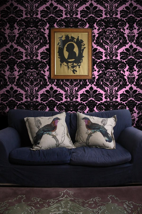 2-4-pomegranate-purple-and-black-pattern-English-British-style-wallpaper-design-Victorian