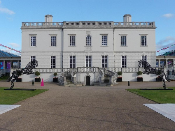 21-horses-olympic-at-queens-house-forgen-metal-garden-sculptures-art-from-horseshoes-by-Tom-Hill-England
