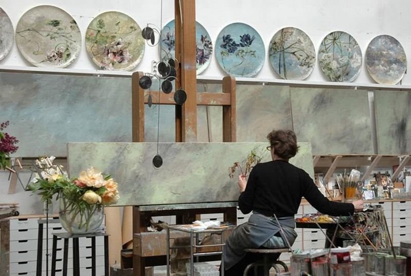 3-claire-basler-naturalist-painter-flower-paintings-nature-contemporary-artworks-studio