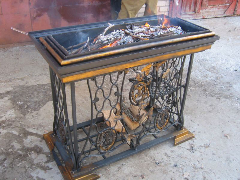 3-handmade-welded-fire-pit-grill-brazier-garden-from-old-vintage-treadle-sewing-machine-Singer-re-use-make-ideas-metal
