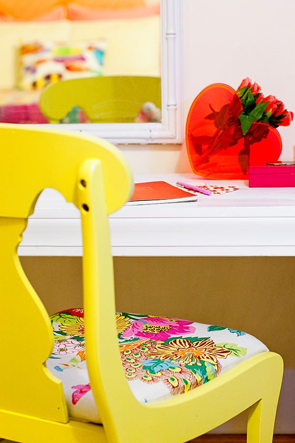 4-bright-yellow-chair-with-floral-pattern-cushion-white-dressing-table-desk