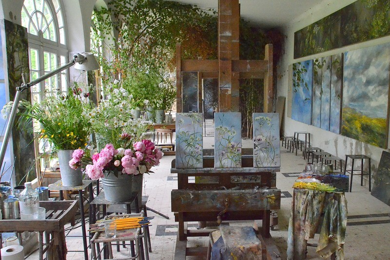 4-claire-basler-naturalist-painter-flower-paintings-nature-contemporary-artworks-studio