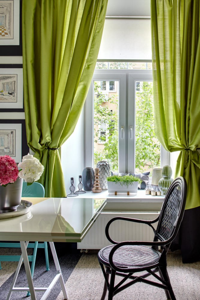 5-bright-cheerful-white-gray-and-green-office-interior-design-in-contemporary-style-work-desk-chair-flowers-curtains-window-decor-table-stripy-carpeting