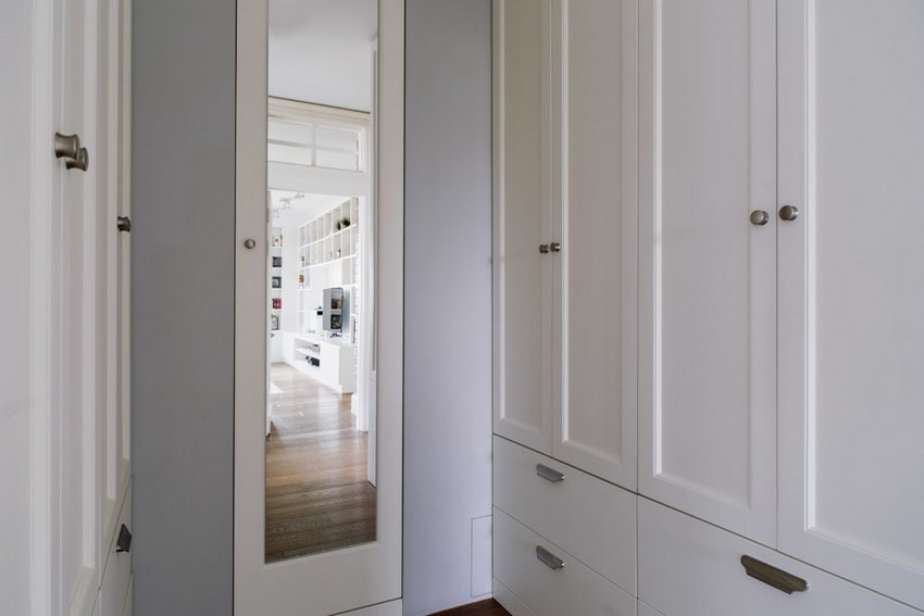 6-6-2-minimalist-style-white-walls-and-gray-apartment-interior-design-walk-in-closet-mirror-wardrobes