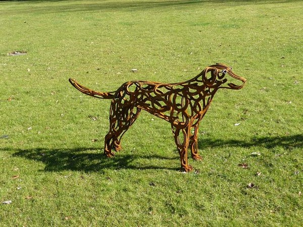 6-dog-Chocolate-Labrador-forgen-metal-garden-sculptures-art-from-horseshoes-by-Tom-Hill-England