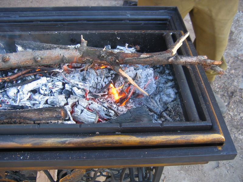 6-handmade-welded-fire-pit-grill-brazier-garden-from-old-vintage-treadle-sewing-machine-Singer-re-use-make-ideas-brazier-metal
