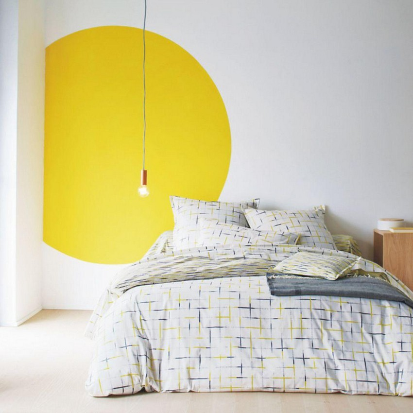 6-interesting-original-wall-decor-ideas-painted-yellow-circle-sun-in-bedroom-interior-design