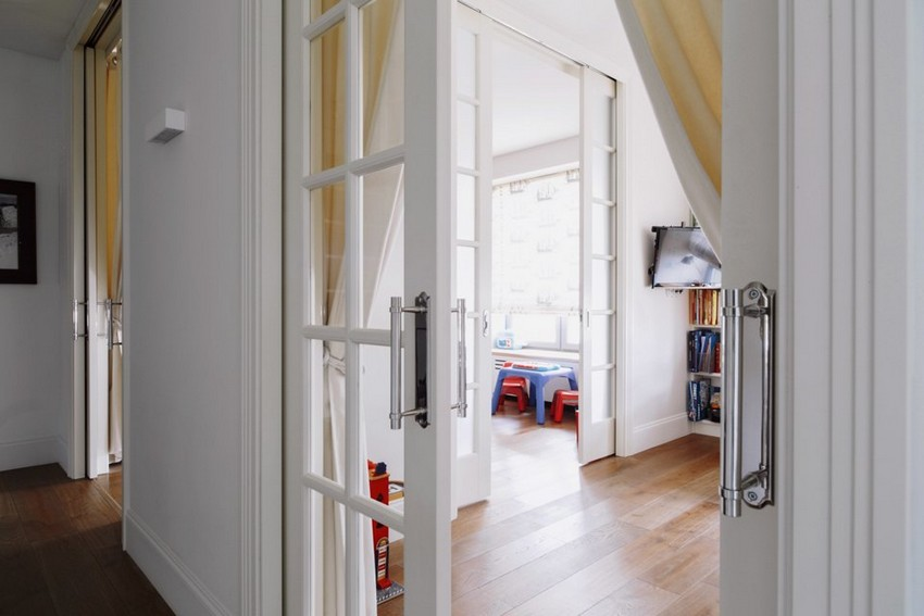 7-1-minimalist-style-white-walls-and-gray-apartment-interior-design-toddler-kids'-bedrooms-rooms-sliding-doors