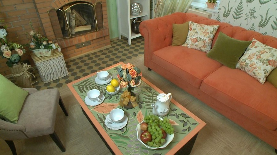 8-2-Provence-style-living-room-interior-design-green-mint-and-coral-colors-table-setting-sofa-coffee-table-fern-floral-pattern-decorated-top