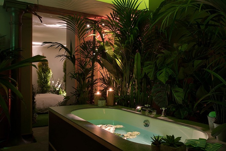 8-green-eco-naturalistic-style-house-for-rent-by-Pantone-Airbnb-London-greenery-potted-plants-bathroom-interior-design-tropical