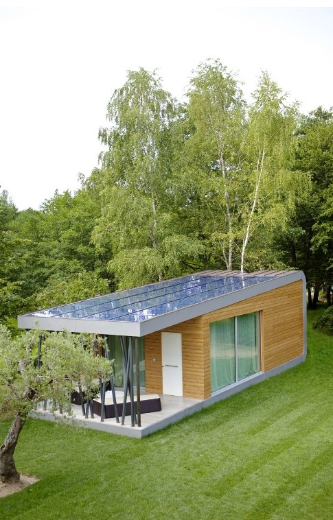 9-modern-minimalist-architecture-exterior-design-solar-panels-self-sustainable-enrgy-eco-house-Italy-Green-Zero-Daniele-Menichini-open-terrace-panoramic-windows-beautiful-view-trees-birch