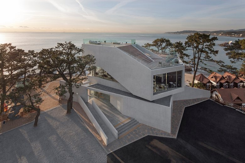 Stunning starfish shaped restaurant in south korea home for Coastal building design