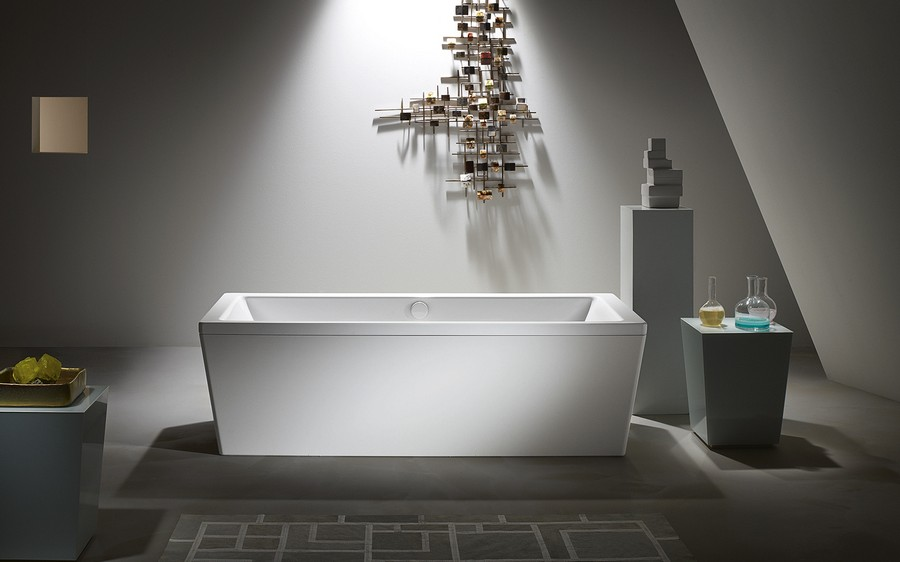 0-enameled-steel-bath-bathtub-in-bathroom-interior-design-rectangular-art-deco-style