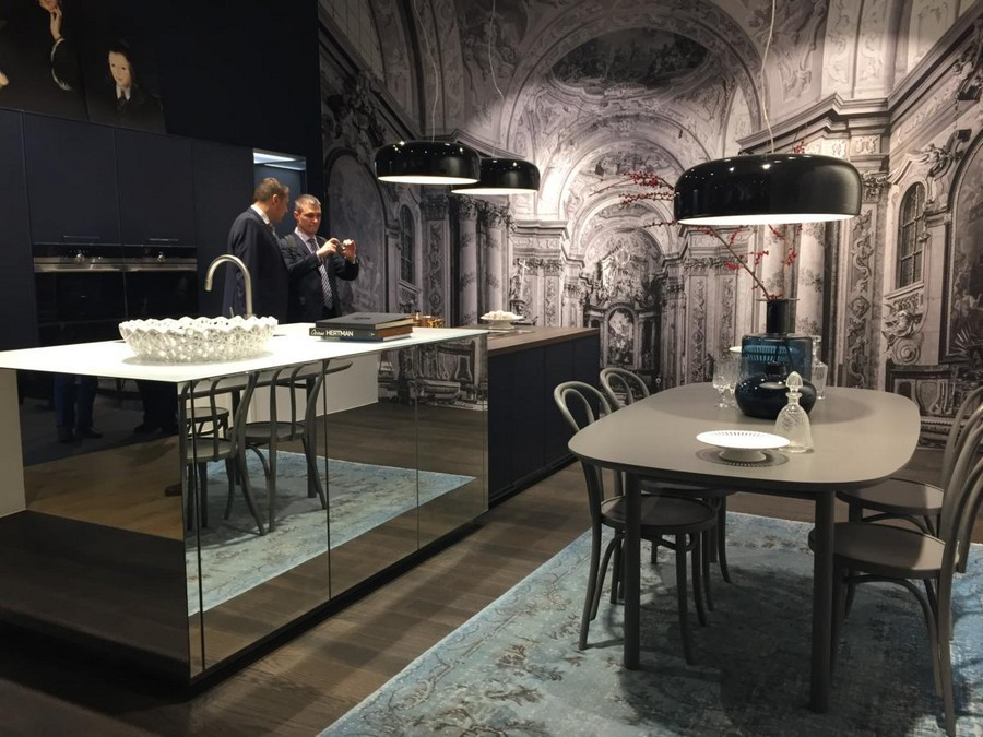 1-4-Nolte-Küchen-kitchen-set-design-at-LivingKitchen-show-in-Cologne-Germany-2017-international-exhibition-mirrored-cabinets-island