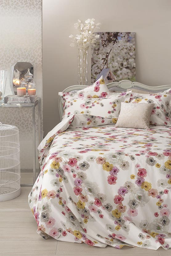 1-Peonia-Blugirl-and-Svad-Dondi-Blumarine-Home-Collection-and-Blugirl-Homeware-bed-linen-spring-collection-2017-floral-pattern-flowers