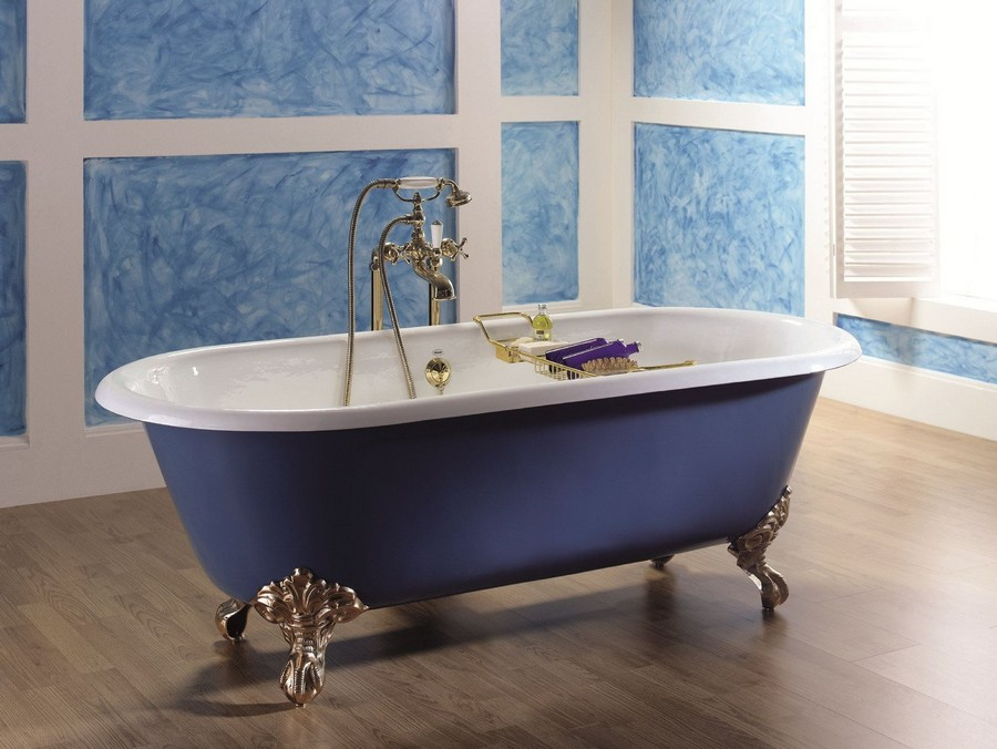 1-cast-iron-bath-bathtub-in-bathroom-interior-design-blue-claw-foot