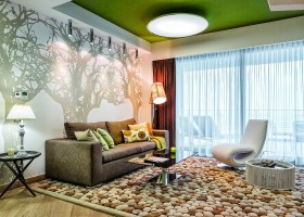 1-contemporary-style-open-concept-living-dining-room-lounge-kitchen-interior-design-green-ceiling-brown-sofa-white-wall-mural-fitting-wool-handmade-carpet-pebbles-table-floor-lamp-arm-chair-coffee-table