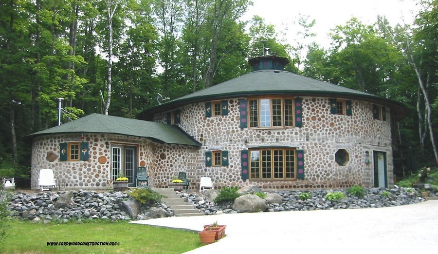 10-cordwood-technology-technique-eco-friendly-house-construction-building-exterior-round-shaped