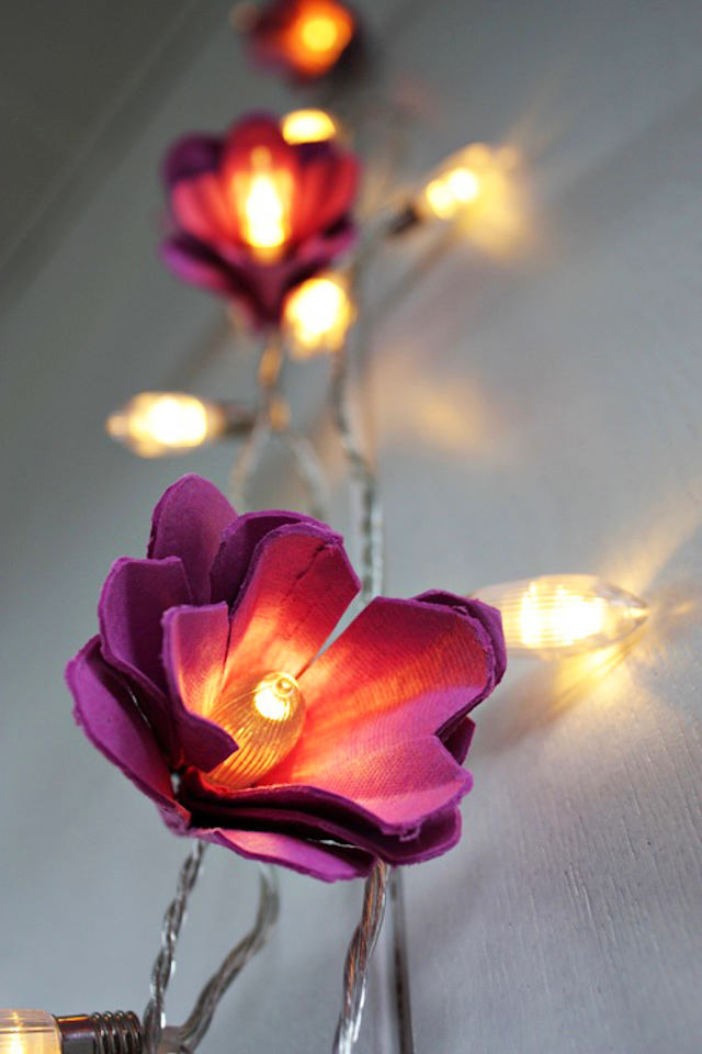 15-spring-home-decor-decoration-ideas-flowers-Christmas-lights