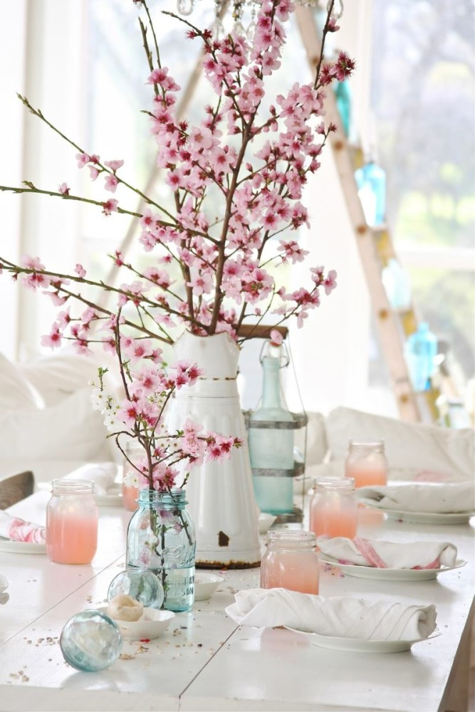 17-spring-home-decor-decoration-ideas-flowers-blooming-pink-cherry-tree-branches-artificial-in-vintage-white-vases