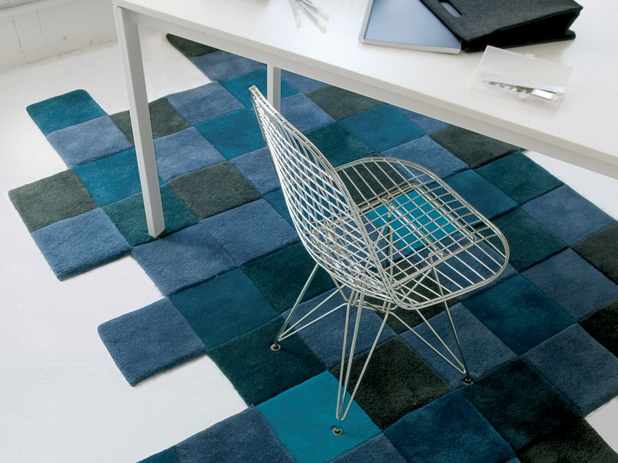 2-Do-Lo-Rez-rug-designed-by-Ron-Arad-Nanimarquina-100%-New-Zealand-wool-hand-tufted-handmade-crafted-3D-squares-multicolored-gray-blue-in-office-interior-design